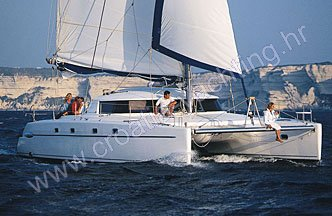 Catamaran Belize 43